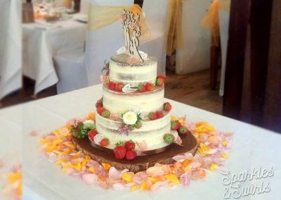 SparklesAndSwirls Naked Wedding Cake Fruits rustic