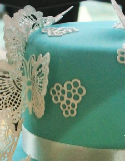 SparklesAndSwirls Naked Wedding Cake Fruits rustic Butterflies